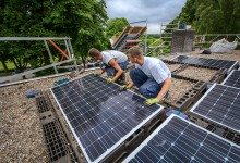 Installatie van AaboSolar zonnestroomsysteem.