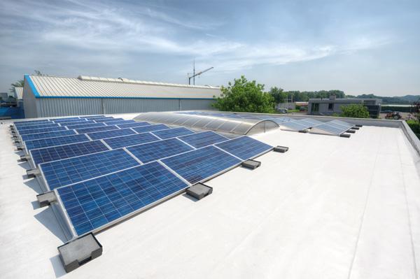 Fatrafol PVC met zonnepanelen