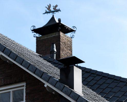 Woonhuis met forse hagelschade voorzien van Eurolite Slate - Luijksgestel