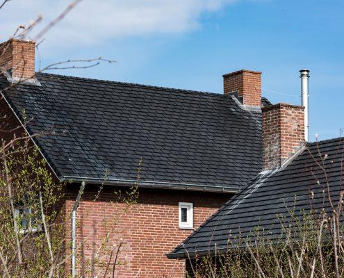 Dak van kattenhotel gerenoveerd met Eurolite Slate rubber dakleien - Swalmen
