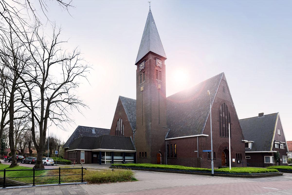 Kerk voorzien van infrarood warmtestralers voor bijverwarming - Harderwijk
