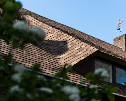 Woonhuis voorzien van Tegola Canadese Master shingledak - Nuenen