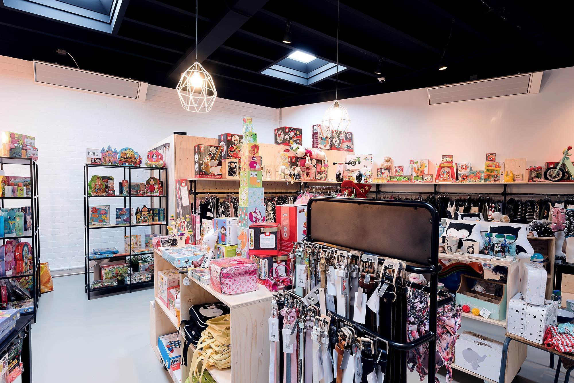 Kledingwinkel en yogastudio voorzien van infraroodverwarming - Helmond
