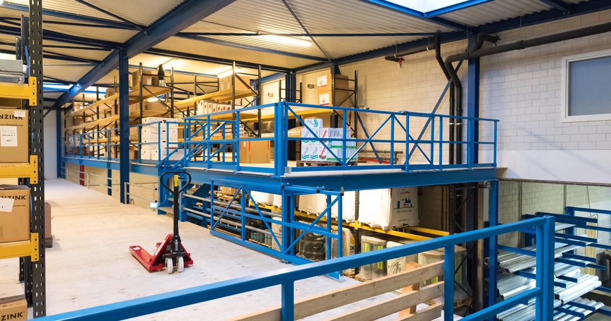 Het magazijn van Aabo Trading Haarlem.