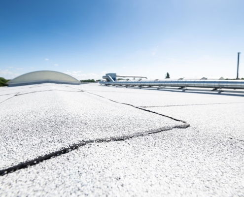 3000m2 APP met hitte reflecterende witte afwerking op fabriekspand - Zoetermeer