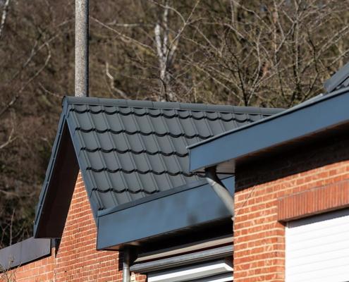 Isola Powertekk stalen dakpanelementen - Woonhuis Paal