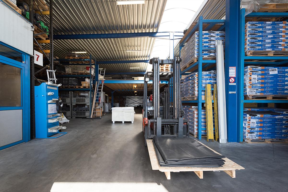 Het magazijn van Aabo Trading Deventer.