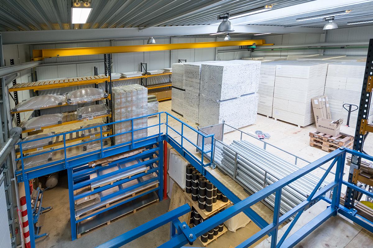 Het magazijn van Aabo Trading Maastricht.