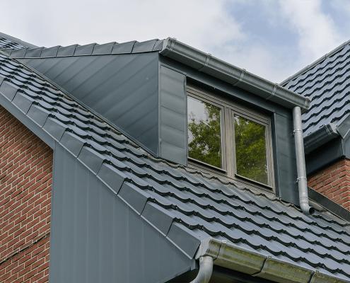 Isola Powertekk stalen dakpanelementen België dakkappel
