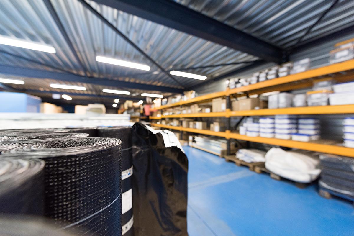 Het magazijn van Aabo Trading Arnhem